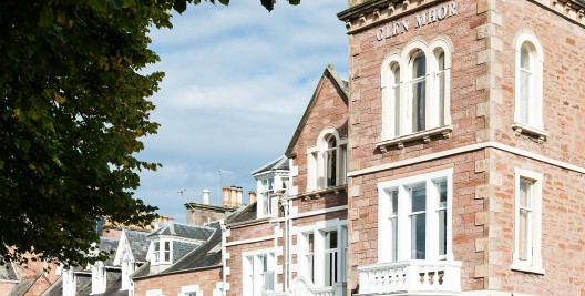 GlenMhor Hotel & Apartments